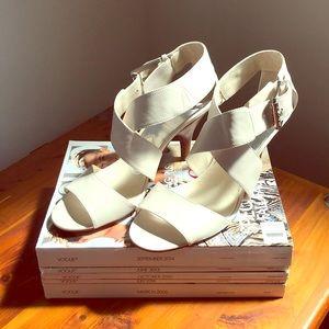 Michael Kors Cream Sandal - NWOT